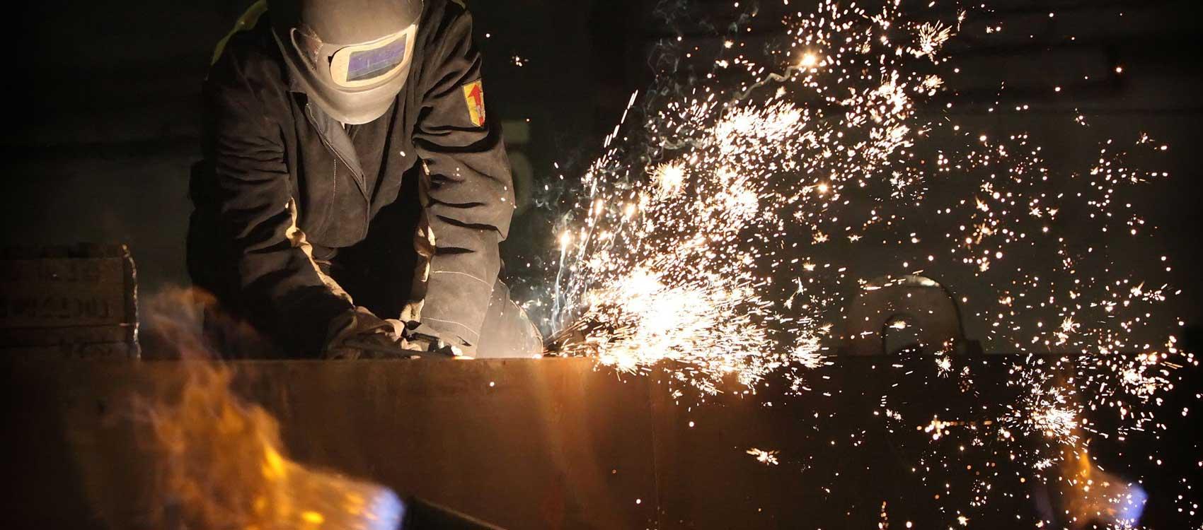 KLK-welding-services-hanover-pa-metal-fabrication-sparks-slide1